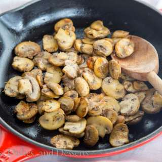 Easy Sauteed Mushrooms {Dinners, Dishes, and Desserts}