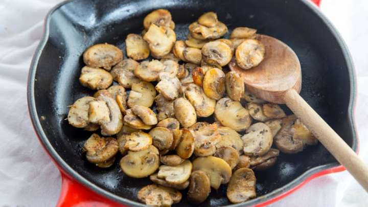 Easy Method for How to Cook Mushrooms - Dinners, Dishes, and Desserts