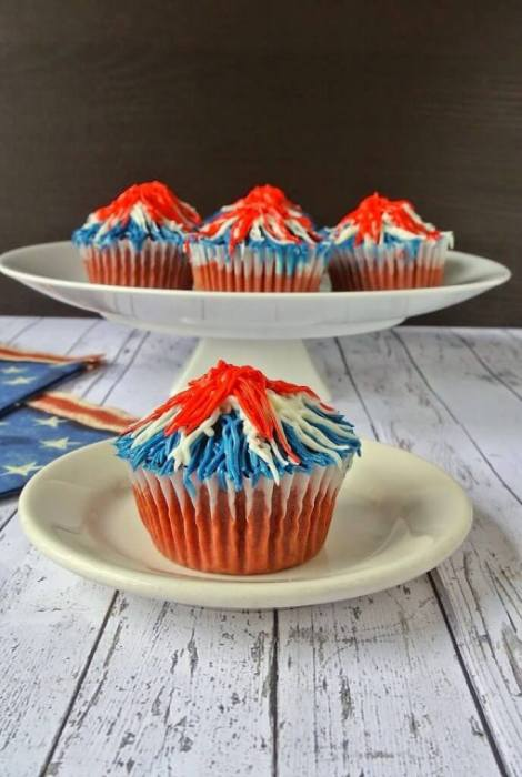 Memorial Day Firework Cupcakes {Culinary Ginger}