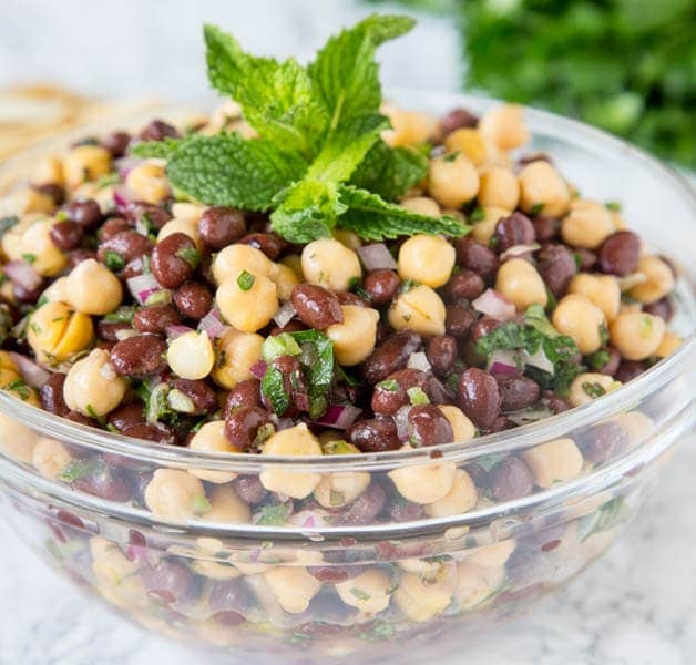 Balela Salad (Mediterranean Chickpea Salad)