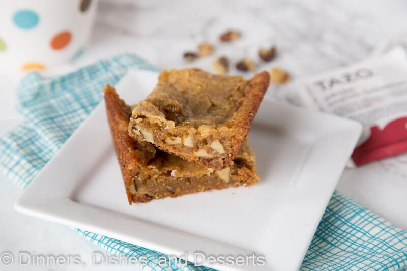 Walnut Blondies - rich and butter blondies filled with walnuts. The perfect treat to enjoy with a cup of tea!