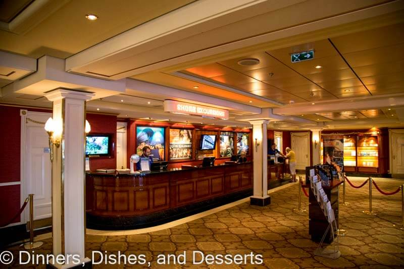 Excursions desk on Pride of America