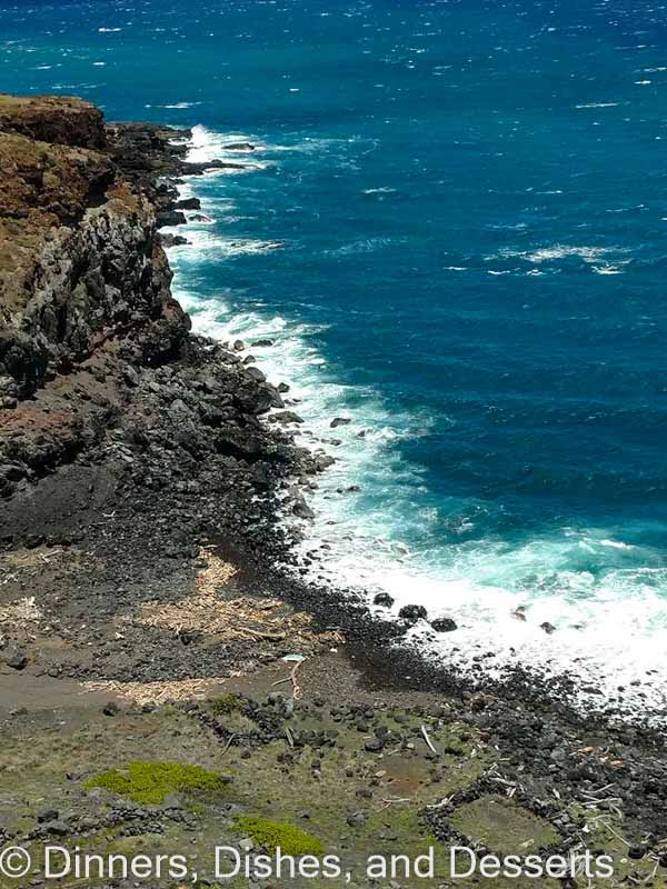 Cliffs of Oahu 5 Reasons to go on a Hawaiian Cruise - Not sure what to do or where to go in Hawaii? Consider a Hawaiian cruise! See 5 reasons why I highly recommend it.