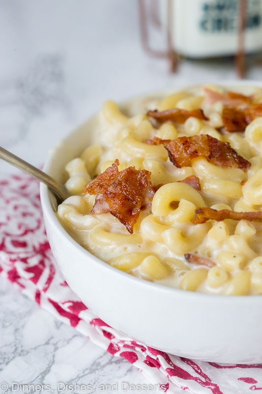 Bacon Macaroni and Cheese - super creamy stove top mac and cheese with plenty of smokey bacon. Pure comfort food that is ready in minutes!