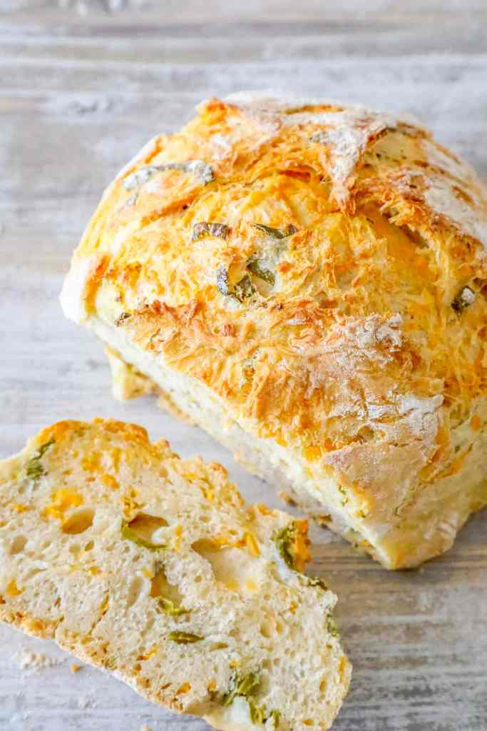 Easy Jalapeno Cheddar Bread {Sweet C's}