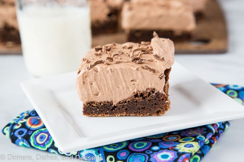 chocoalte mousse brownies horizontal
