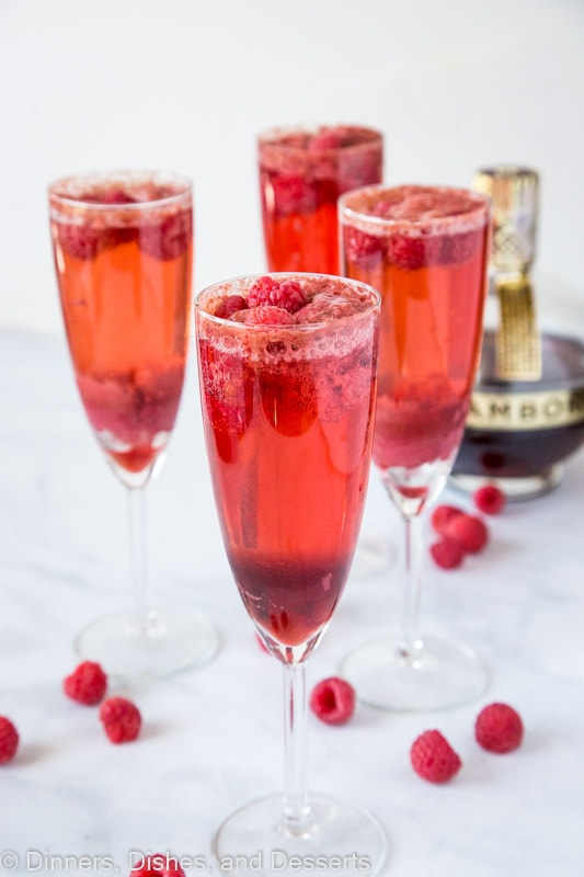 The perfect brunch cocktail - raspberry mimosas