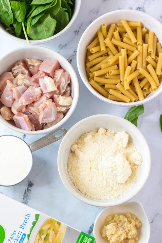 ingredients to make chicken alfredo with spinach