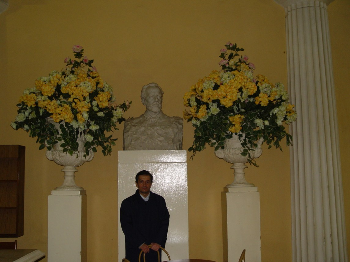 with the statue of Tchaikovsky inside the Moscow Conservatory
