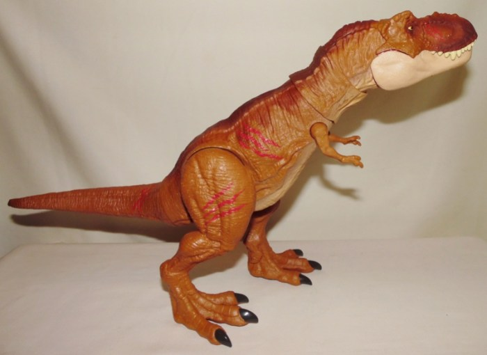 Tyrannosaurus Rex Battle Damage Jurassic World Fallen Kingdom By Mattel Dinosaur Toy Blog