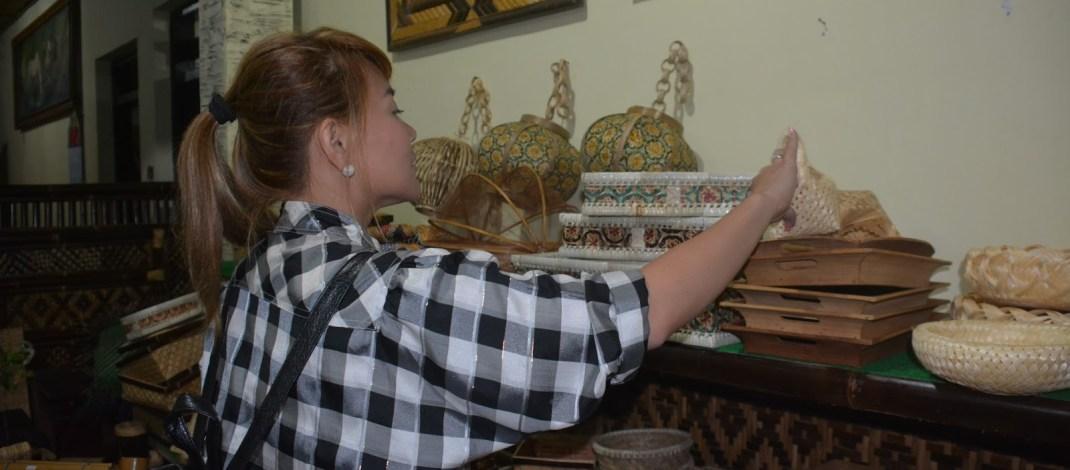 Bupati Emil Dardak Tunjukkan Keindahan Kerajinan Bambu Wonoanti Kepada Walikota Catbalogan Filipina
