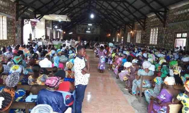 Les aumôniers diocésains du renouveau charismatique de la province ecclésiastique de Kinshasa à idiofa