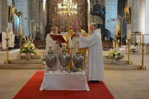 Messe chrismale, bénédiction des Huiles et du Saint Chrême