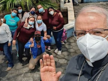 Obispo de Escuintla - Erupción Volcán Pacaya
