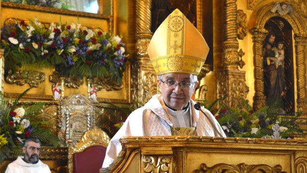 Monseñor Víctor Hugo Palma - Ambón