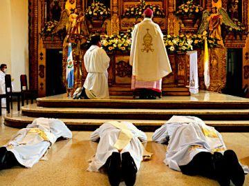 Ordenacion Presbiteros Escuintla