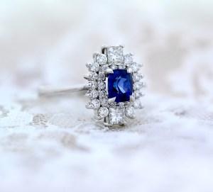 blue-sapphire-diamond-cluster-ring