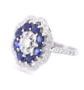 blue-sapphire-diamond-ring