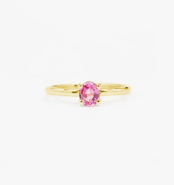 minimalist-sapphire-engagement-ring