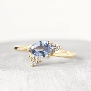 blue-sapphire-engagement-ring