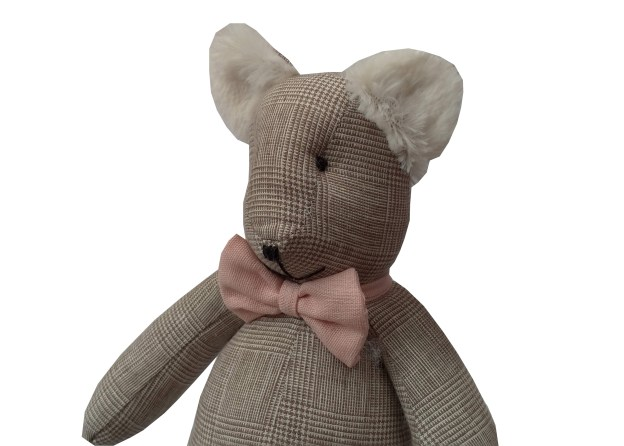 urso teddy xadrez bege príncipe de gales com gravata borboleta rosa