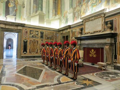 Ambassador Ken Hackett presented his credentials to Pope Francis at the Vatican in October 2013. More photos via US Embassy Vatican/FB.
