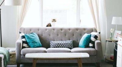 Urządzanie wnętrz w salonie – meble do salonu