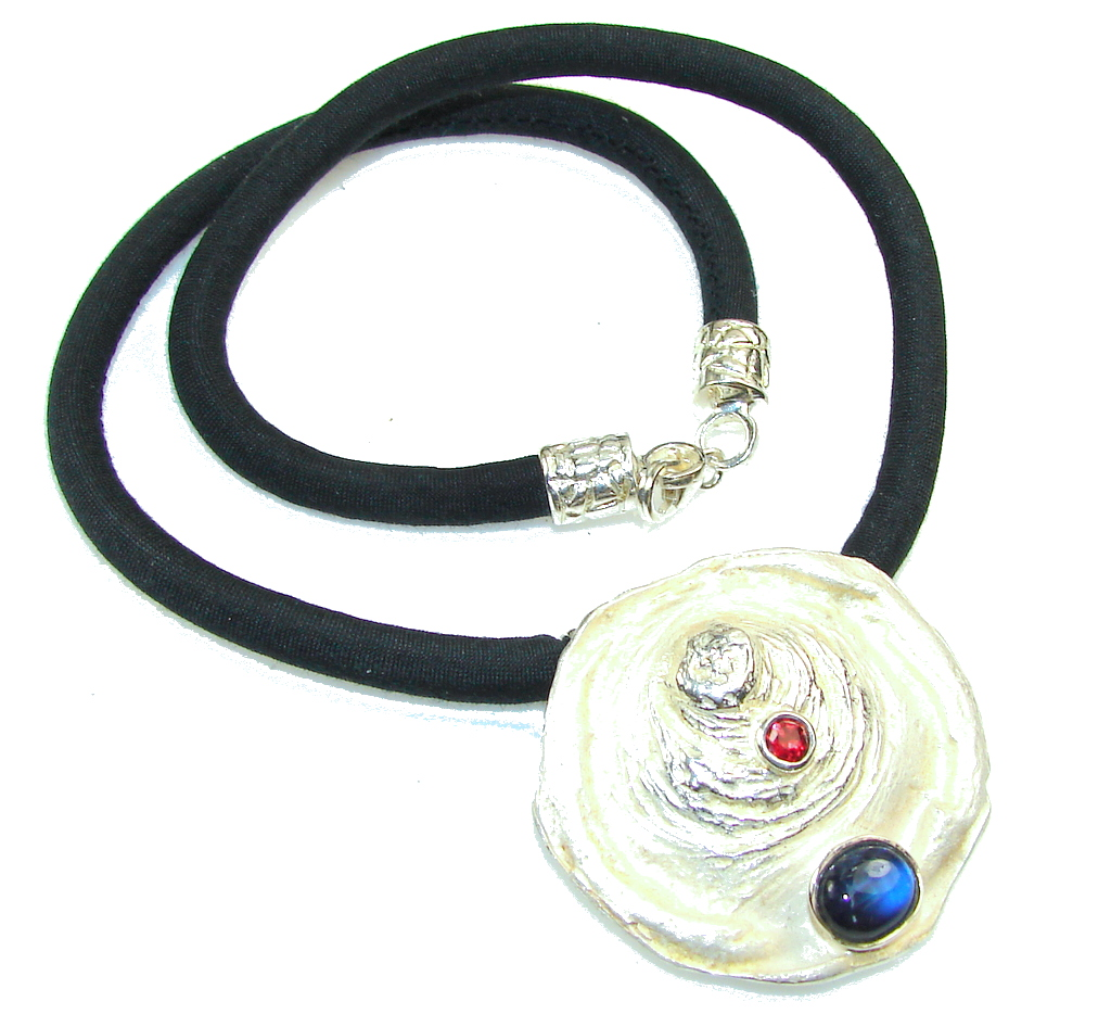 Be Spectacular!! Italy Made African Kyanite Sterling Silver necklace