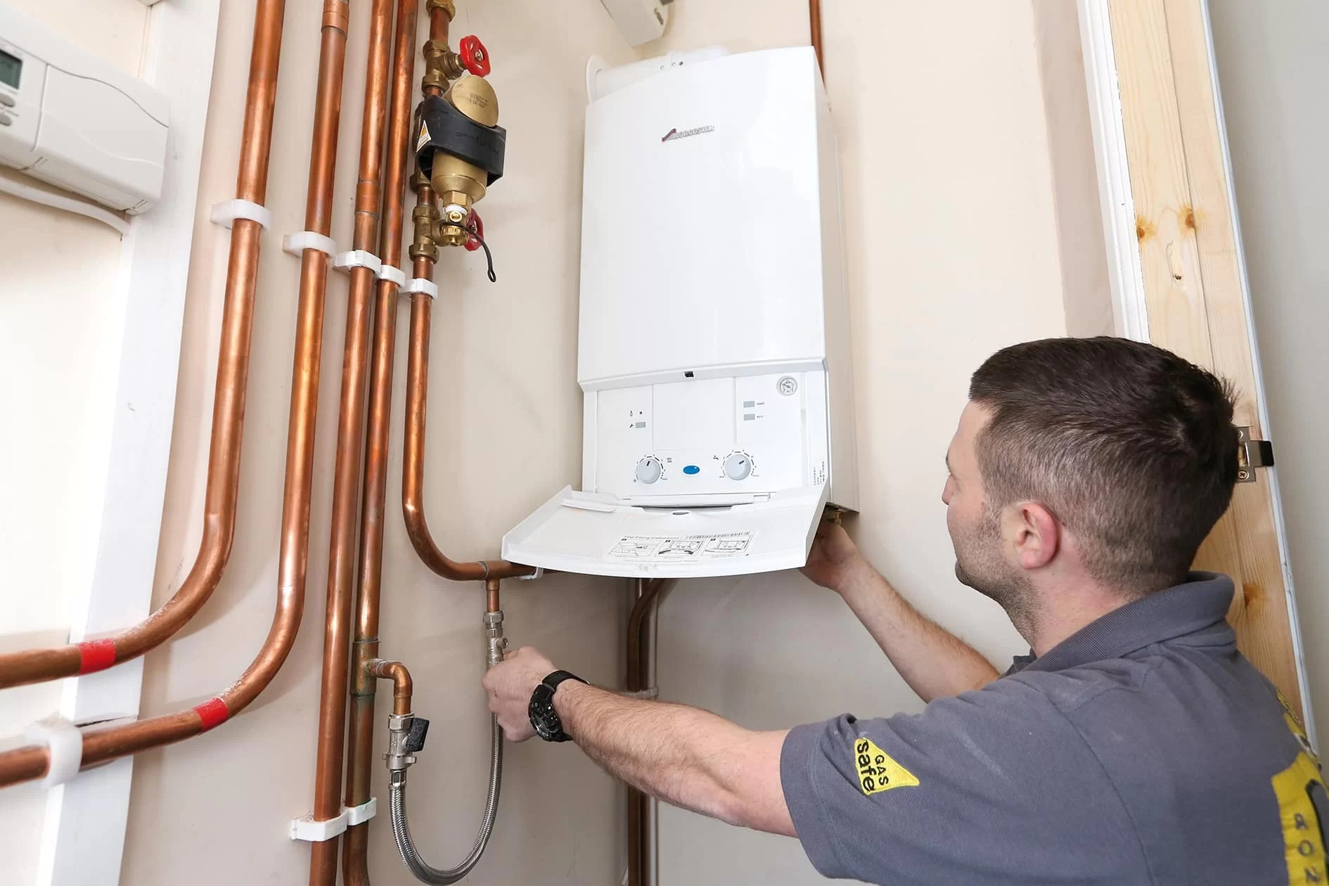 5 accreditations to look for when hiring a heating engineer