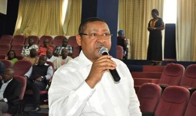 fonction publique jean ogandaga justifie la suspension des recrutements direct infos gabon