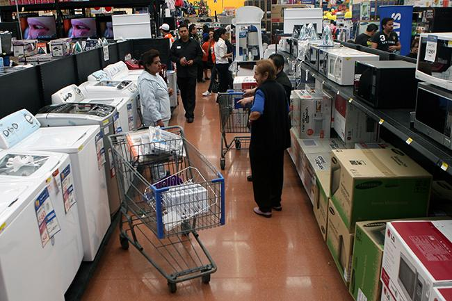 Walmart y Liverpool, con delantera en marketing