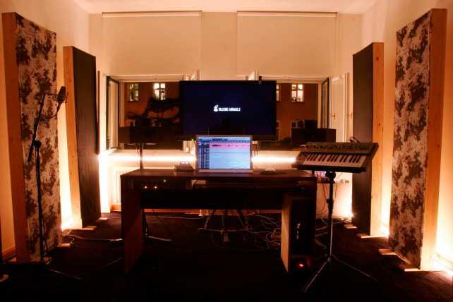 walk_the_dog_TA_soundStudio2