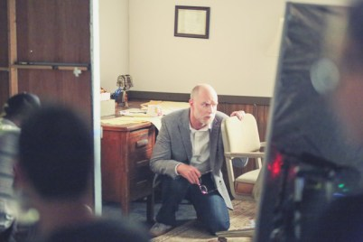 holly_goes_to_therapy_bts_02