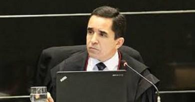 Júlio Saraiva é reconduzido ao cargo de procurador-geral do MP junto ao Tribunal de Contas do Ceará