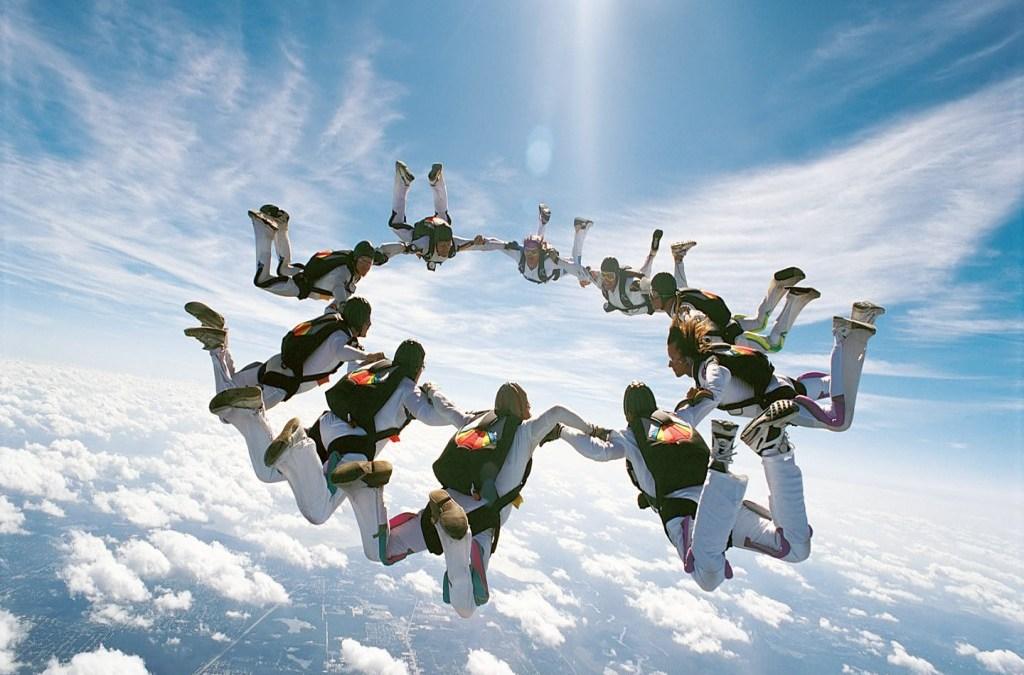 Atraindo Paraquedistas ou Enganando o Público?