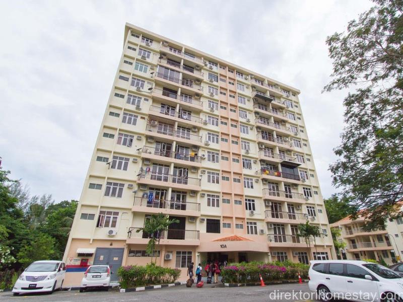 Homestay-Bayu-Emas-Condo-Batu-Ferringhi-Penang-1