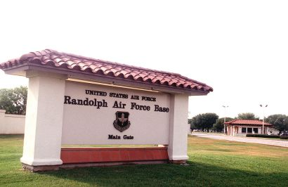 1024px-randolph_air_force_base_sign_and_main_gate