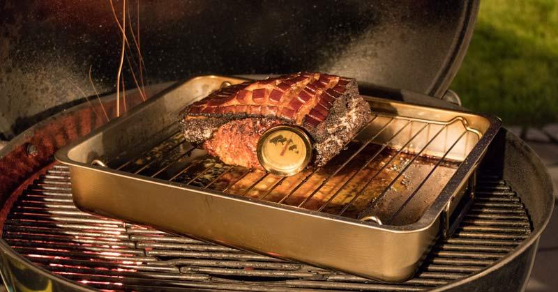 Schweinerücken auf dem Grill - fast fertig