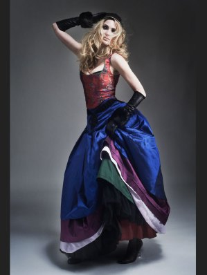 Blusenloses Couture Dirndl Michaela Keune