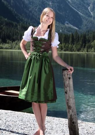 Trachten Outlet Original Salzburger – schwarzes Dirndl