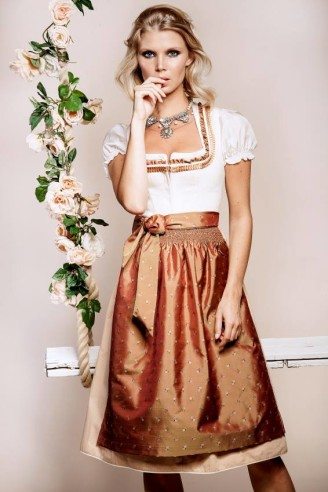 Kinga Mathe Dirndl 2016