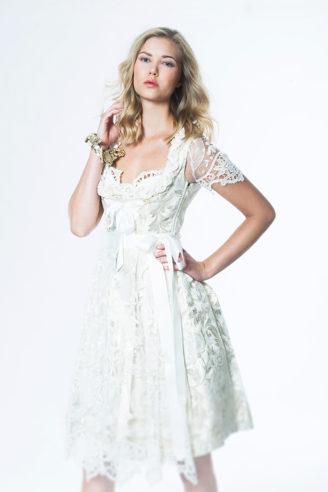 """Ophelia Blaimer Couture Brautdirndl """"Always"""" Photographer: Anna Schnauss"""