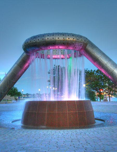Dodge foundation in Philip A. Hart Plaza, Detroit / Wikipedia
