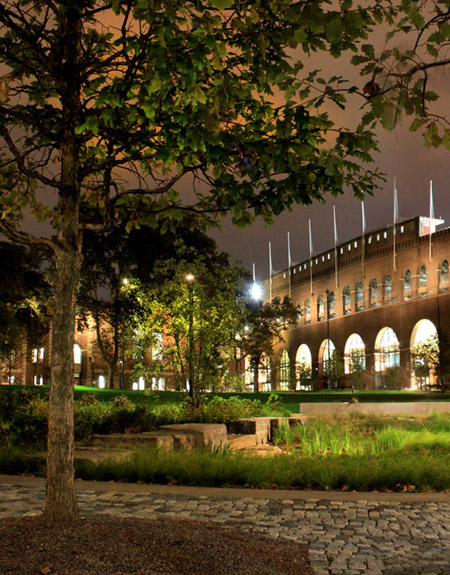 Shoemaker Green, University of Pennsylvania campus by Andropogon Associates / Tillet Lighting Design