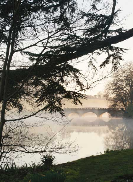 Compton Verney (cropped) / copyright James Kerr
