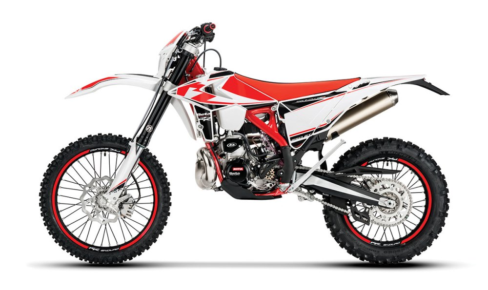 medium resolution of beta s 250cc two stroke off road bike is almost identical to the 300 aside from a 5 6mm decrease in bore but it has a very different personality and a