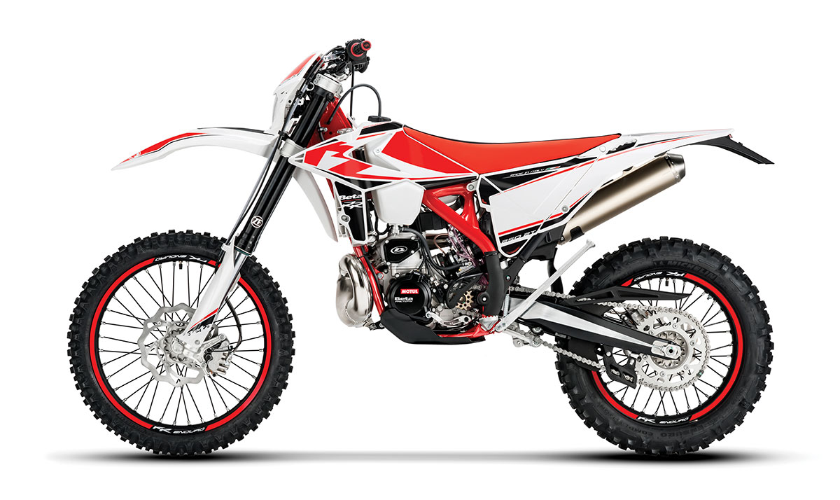 hight resolution of beta s 250cc two stroke off road bike is almost identical to the 300 aside from a 5 6mm decrease in bore but it has a very different personality and a