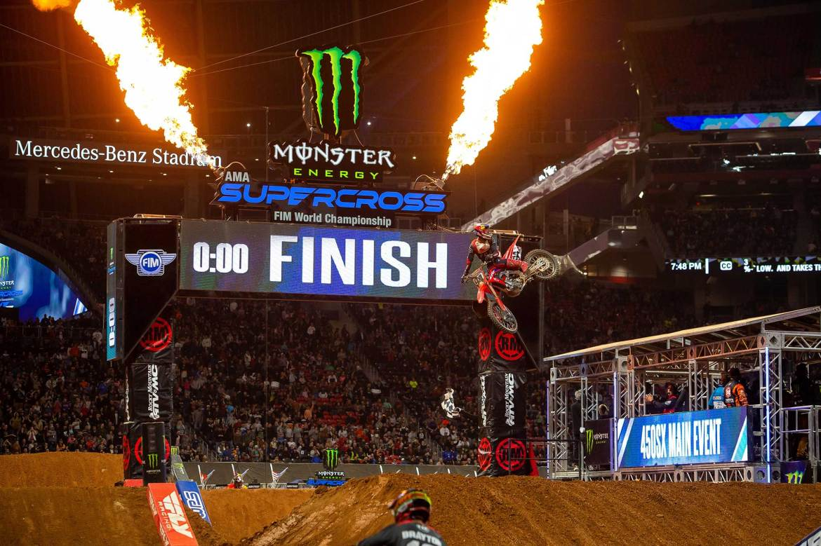 Supercross Atlanta: Roczen is Back in Winning Form and Webb Pushes a Podium