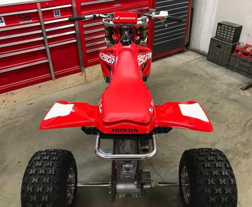 small resolution of the 2003 version of honda s cr250r made quite a bit more power than the 1986 cr250r in fact the last year of honda s cr250 two stroke engine didn t really