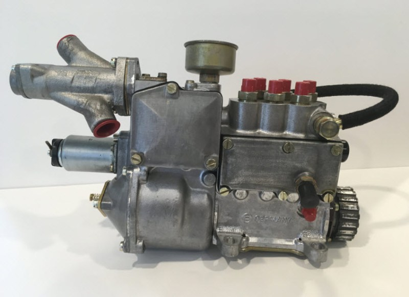 dirtyoldcars.com Porsche 1973 911RS 019 MFI : Mechanical Fuel Injection Unit 1